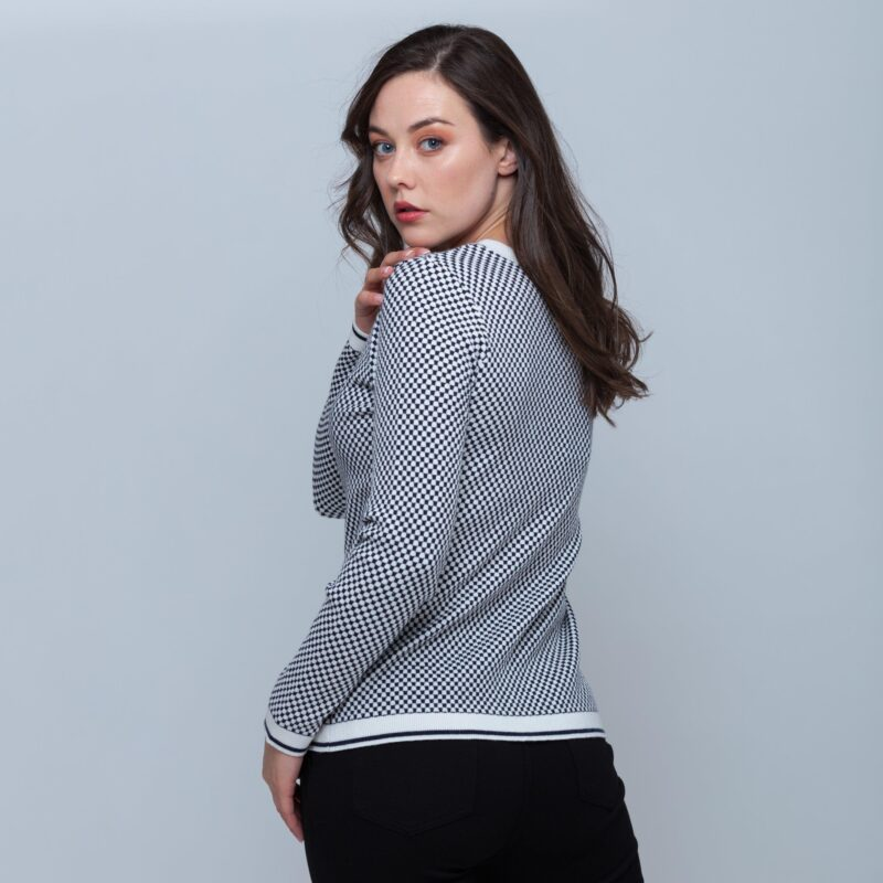 square pattern sweater back