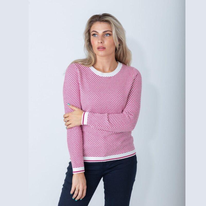 square pattern pink
