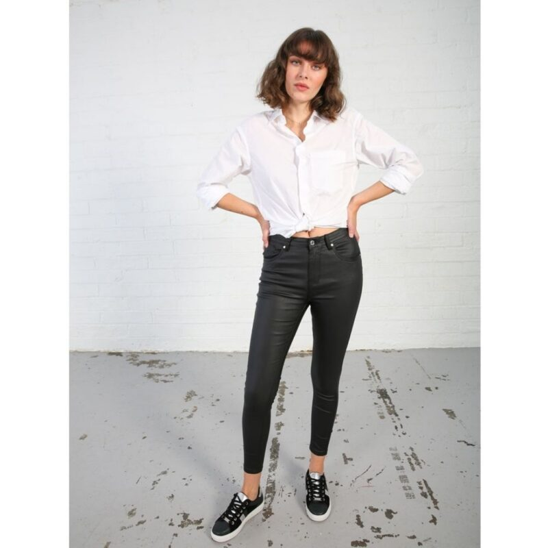 Roseana Black leater jeans rant and rave